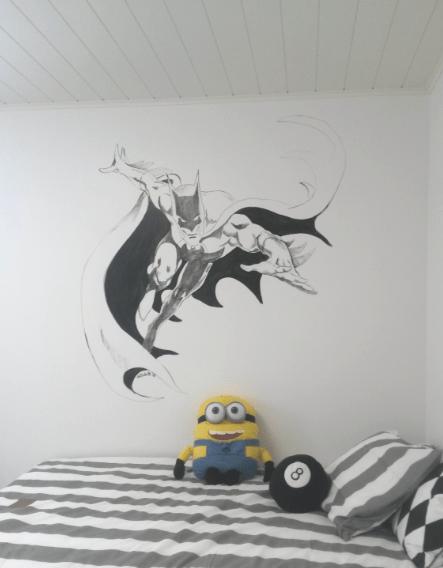 Seinään maalattu Batman, asuntomessut 2015